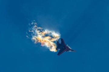 """Многоцелевой истребитель Су-30СМ попал под """"дружественный огонь"""" и разбился под Тверью"""