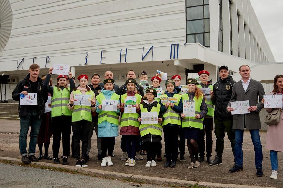 Петербургские спортсмены напомнили водителям о безопасности на дорогах. Фото предоставлено регбийным клубом «Нарвская застава».