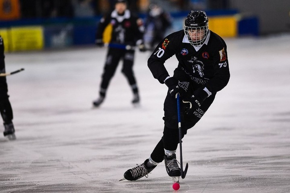 Хоккеисты кемеровского «Кузбасса» вылечились от коронавируса. Фото:bandyvideo.net