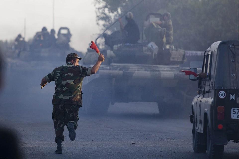 Воскресным утром на землях, которые разграничивают Армению и Азербайджан, возобновились боестоклновения.