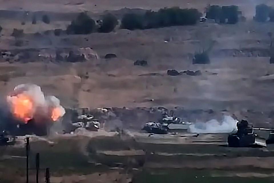 27 сентября премьер-министр Армении Никол Пашинян сообщил, что азербайджанские ВС начали наступление в направлении Нагорного Карабаха. Фото: Снимок с видео/Министерство обороны Армении/ТАСС