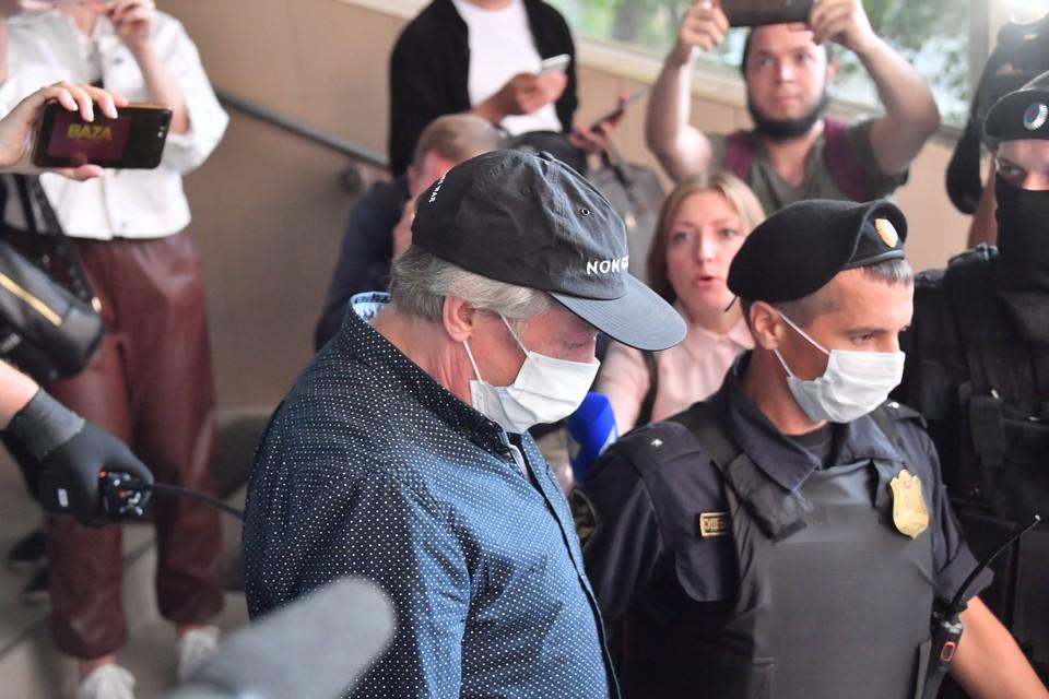 Семья Ефремова намерена подать заявление на Пашаева