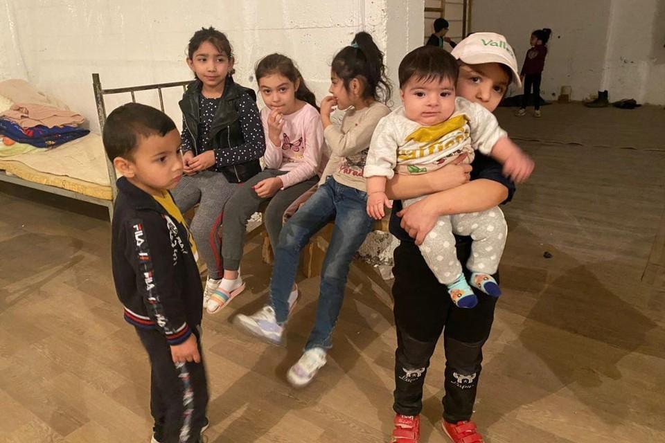 Дети войны везде одинаковы. Они до конца не понимают, что их так напугало.