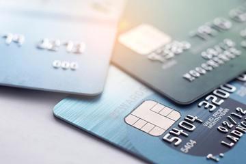 Банкам могут запретить навязывать страховки и комиссии по кредитным картам