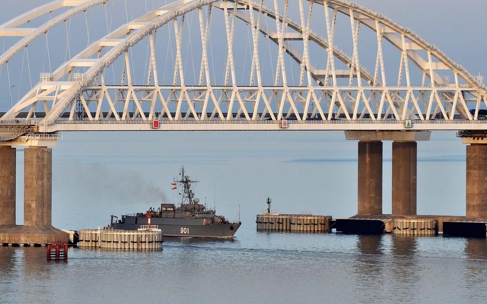 Евросоюз согласовал расширение санкций против России за Крымский мост