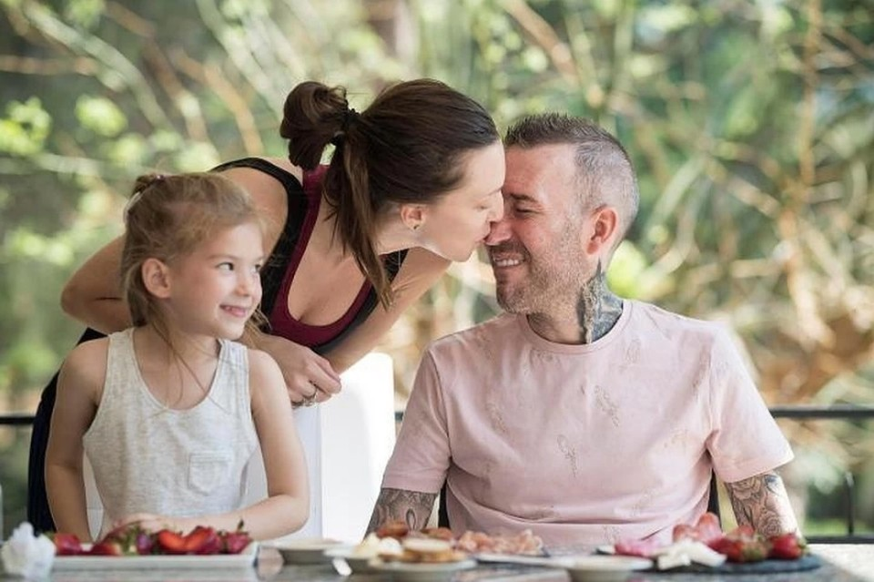 Вдова футболиста Фернандо Риксена рассказала, как прошел год после смерти мужа