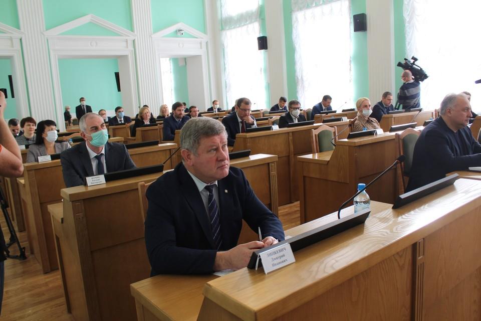 Депутаты Омского горсовета приняли актуализированный Генплан до 2040 года. Фото: Омский горсовет