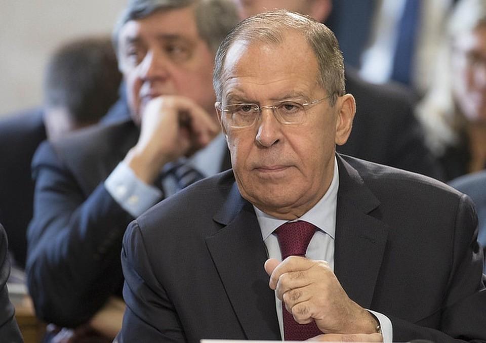 Лавров призвал Армению и Азербайджан к незамедлительному прекращению огня в Карабахе