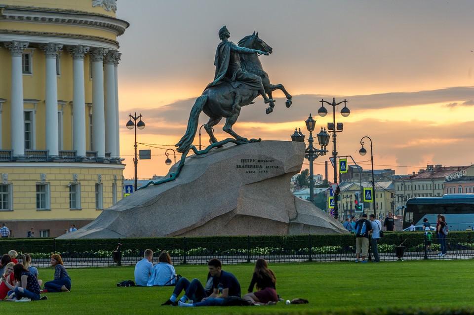Петербург вошел в пятерку регионов, куда чаще всего приезжали российские туристы