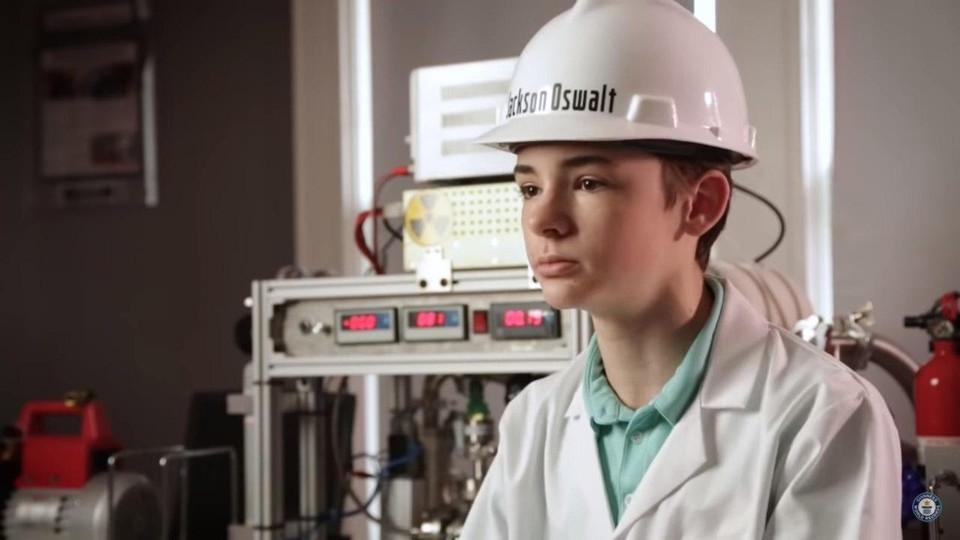 Подросток собрал дома ядерный реактор. Фото: скрин видео