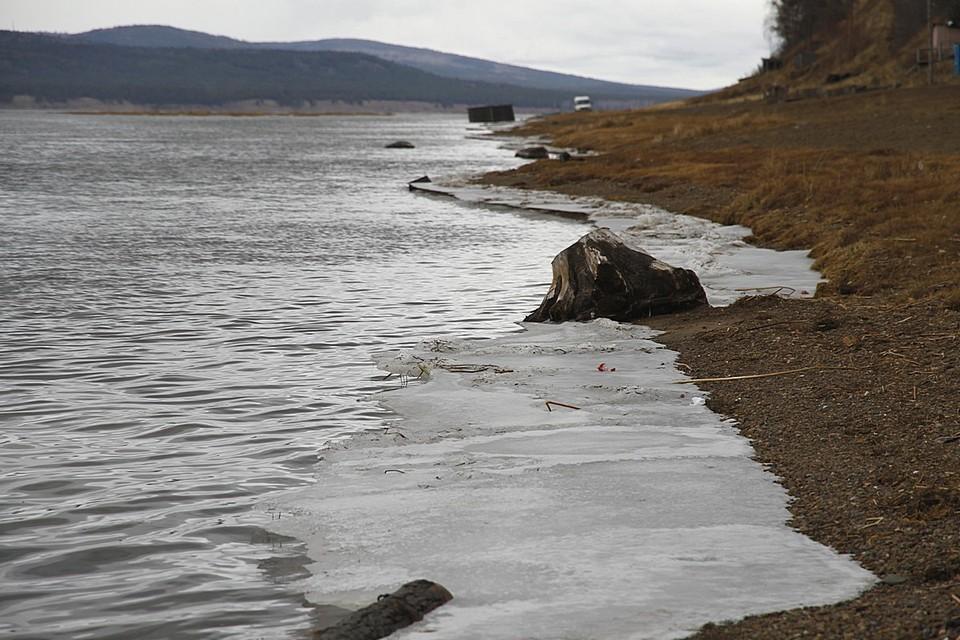 В реку вылилось около 500 литров дизтоплива