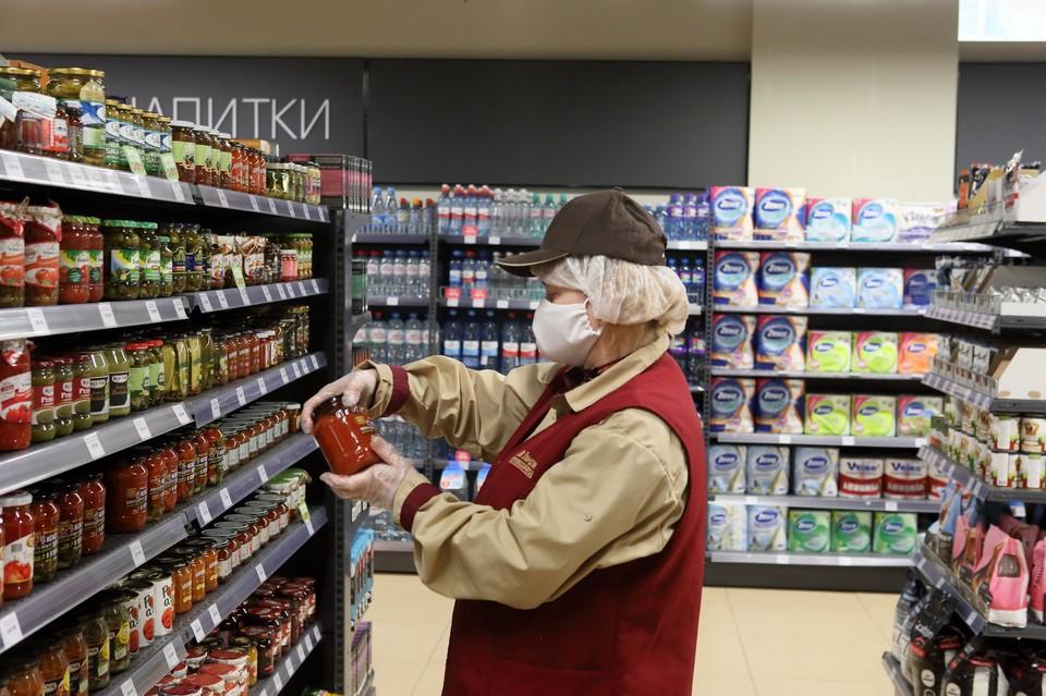 Рост заболеваемости COVID-19 в РФ может достичь пика через неделю