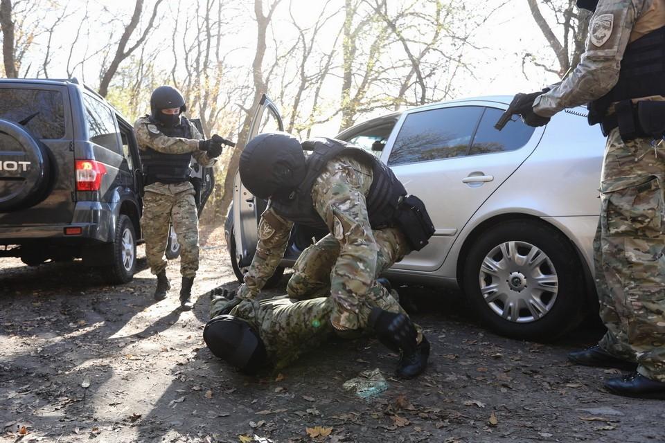 Спецоперация в Серноводском районе Чечни продолжается