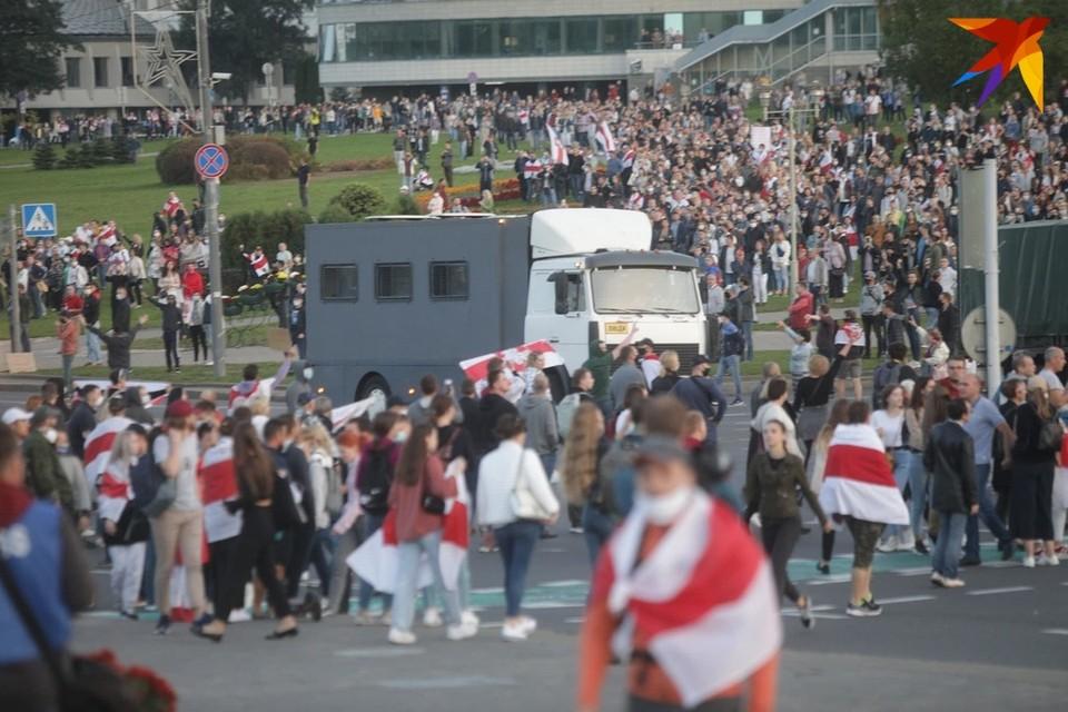 ВРеспублике Беларусь впроцессе протестов задержано неменее семисот человек