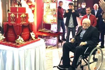 Виталина Цымбалюк-Романовская о появлении Армена Джигарханяна на инвалидной коляске: «Армен Борисович сильно сдал»
