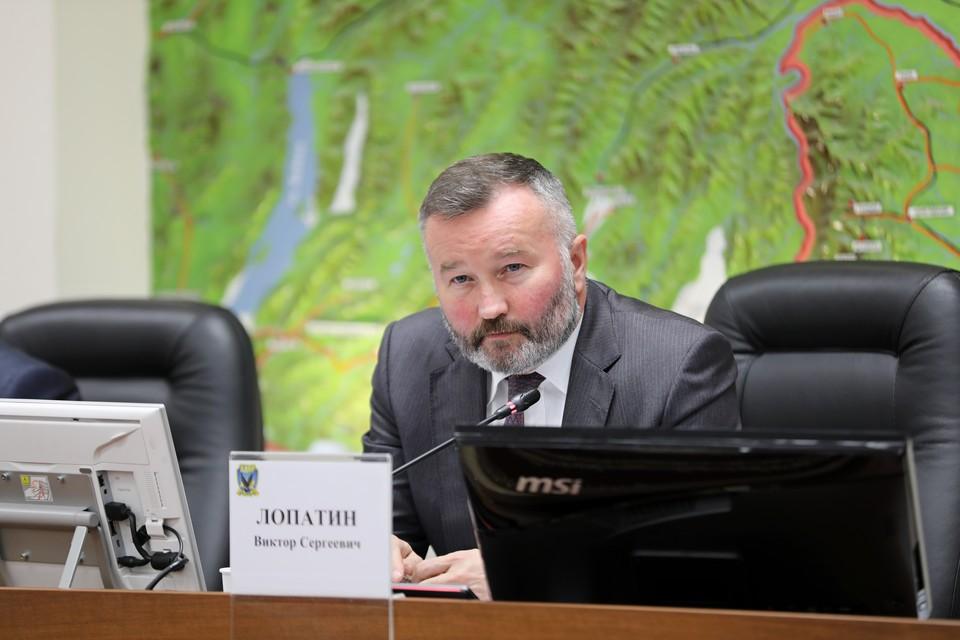 Председатель комитета по вопросам промышленности, предпринимательства и инфраструктуры Виктор Лопатин