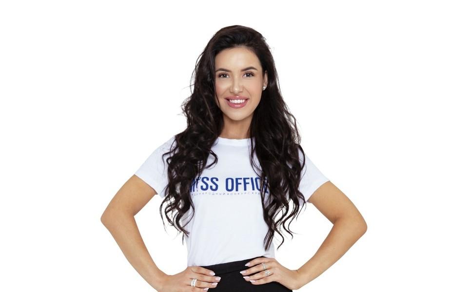 Юрист Оксана Обабкова смогла пройти в финал конкурса. Фото: «Мисс Офис-2020»