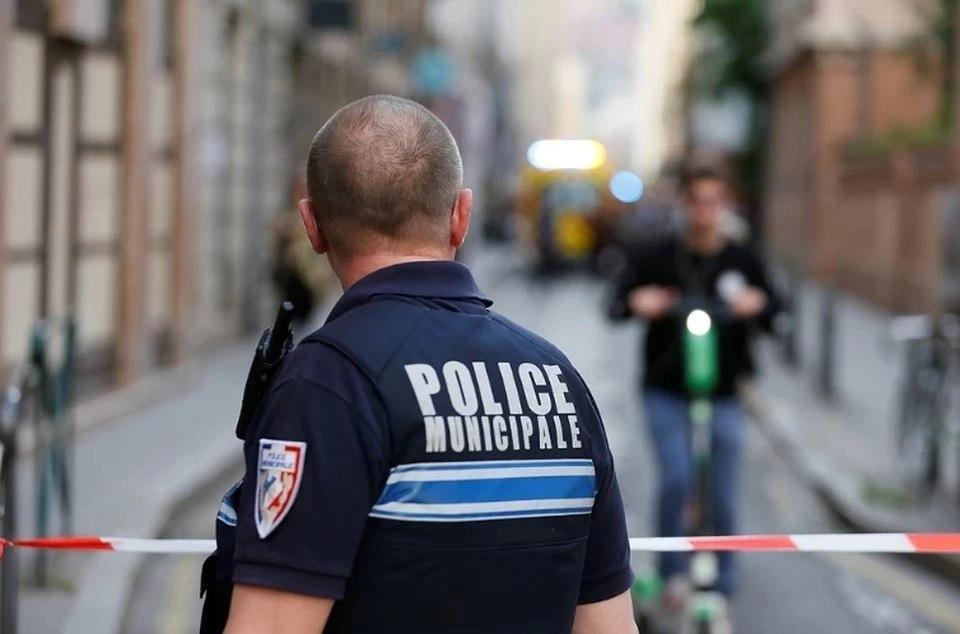 Видео с места теракта в пригороде Парижа опубликовано в сети