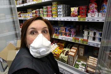 В ожидании второй волны коронавируса россияне закупали швейные машинки и самогонные аппараты