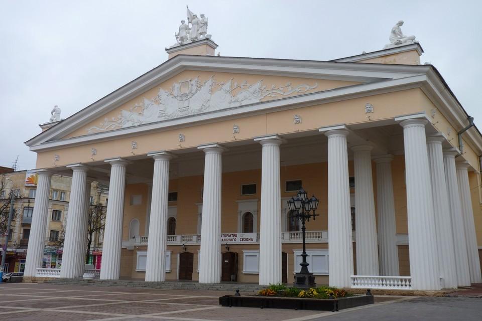 В Брянской области пока все учреждения продолжают работать.