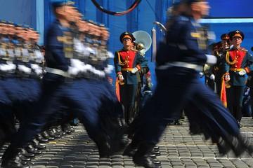 """Сократят ли военных: что не так с """"рекомендациями"""" Минфина"""