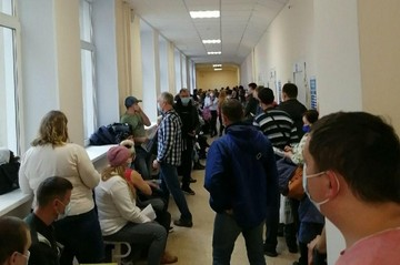 Жители Челябинской области продают места в больничных очередях