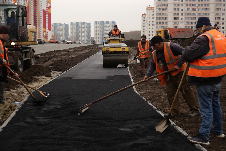 На улице Петухова построили второй участок автодороги протяженностью 780 метров. Фото: пресс-центр мэрии Новосибирска