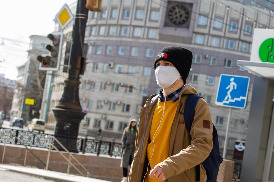 В Челябинске продолжает действовать масочный режим