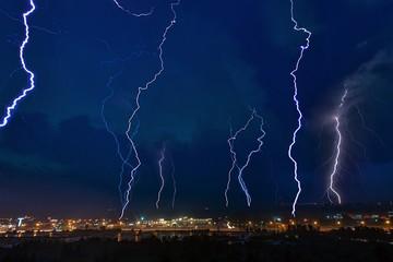 Супергроза под Москвой: Последователи Николы Теслы испытывают климатическое оружие