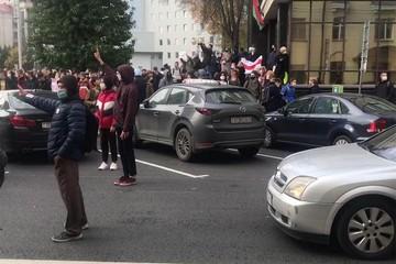 Последние новости из Минска: Забастовщики все-таки перекрыли дорогу. Одну