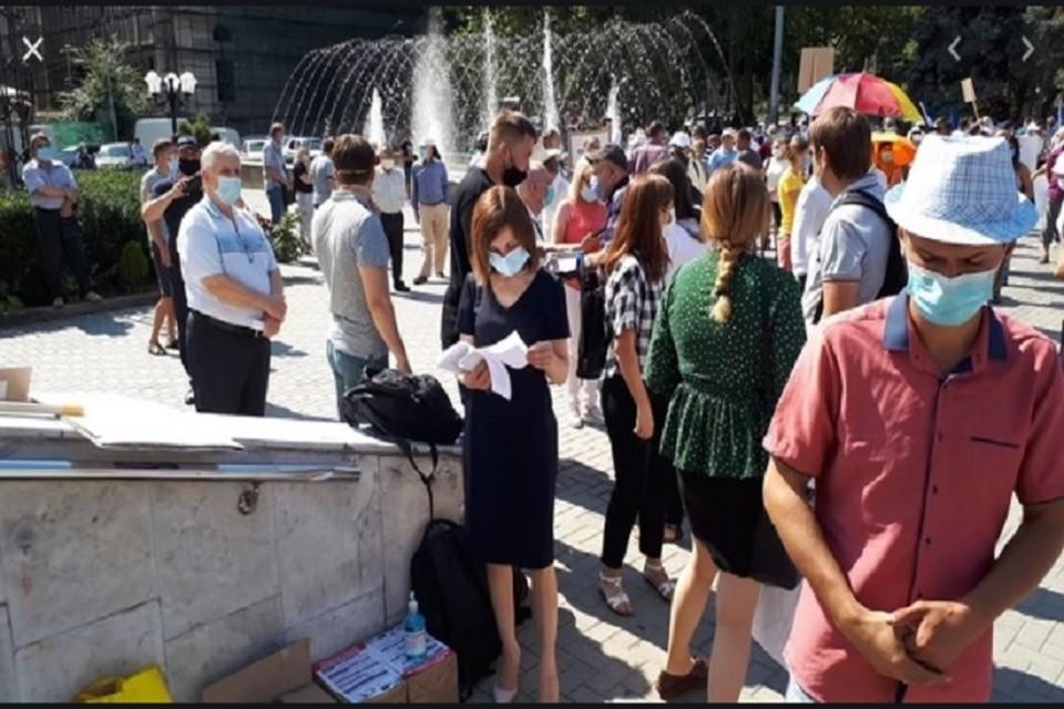 Броня тонка и наши ряды жидки: Теперь Санду хочет, чтобы Игорь Додон снялся с предвыборной гонки - только так она станет президентом Молдовы