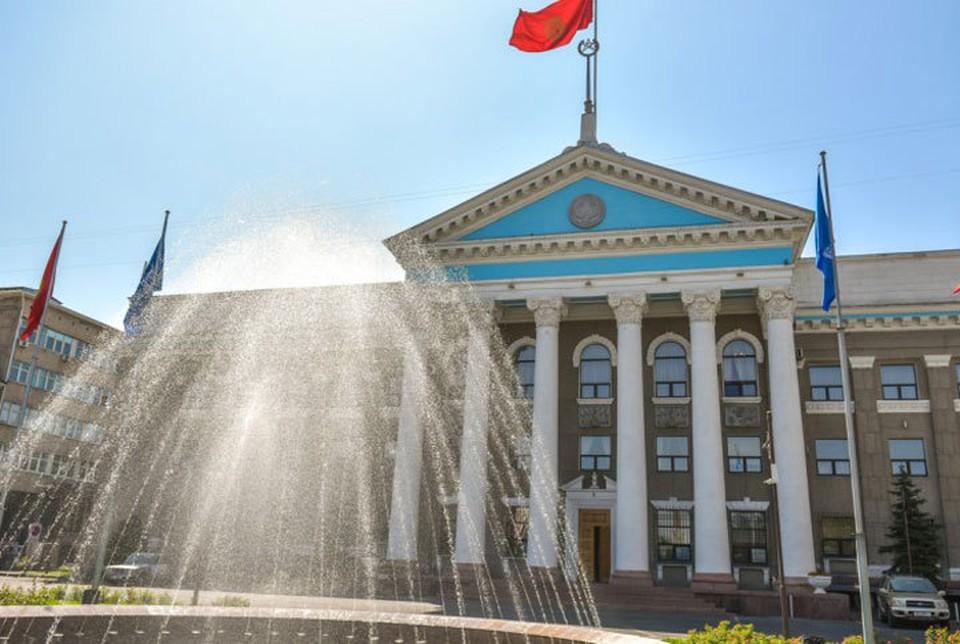 После октябрьских протестов в администрации города не прекращаются кадровые перестановки.