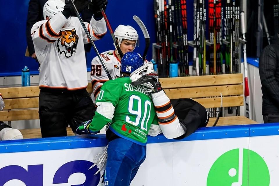 Четыре шайбы за три минуты: Хабаровский «Амур» проиграл «Салавату Юлаеву» со счетом 1:4. Фото ХК «Салават Юлаев»