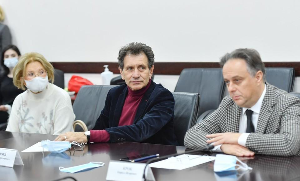 Делегация столичного театра на встрече с руководством Северной Осетии. Фото пресс-службы главы РСО - А.