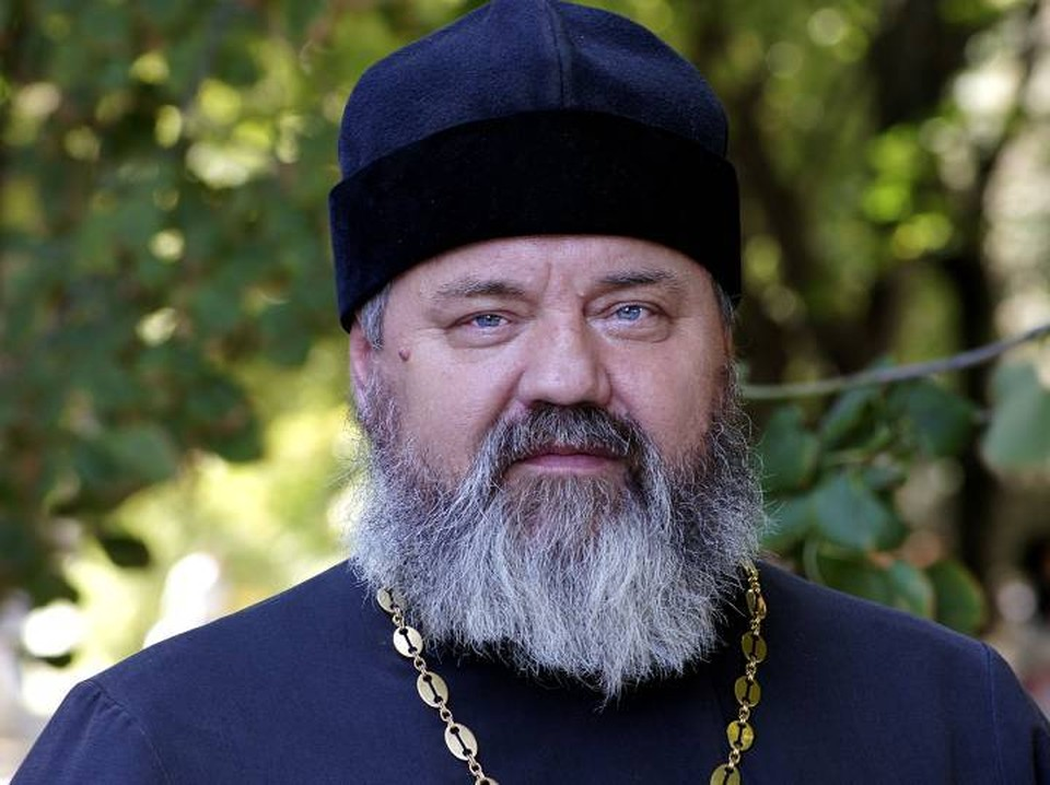 Священник Андрей Мнацаганов отдал свою недвижимость нуждающимся. Фото: из архива героя публикации