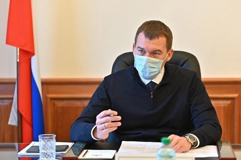 Михаил Дегтярев рассказал, как перенес прививку от коронавируса. Фото: Правительство Хабаровского края