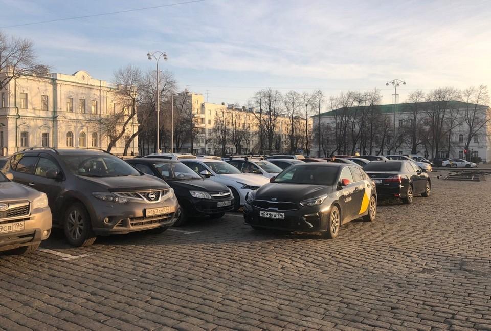 В итоге водители договорились о встрече за круглым столом с министром транспорта Свердловской области