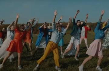 Ла-ла Ройка: Жители нижегородского села сняли клип по мотивам  знаменитого мюзикла, чтобы рассказать чиновникам о своих проблемах