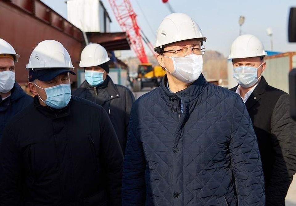 Губернатор проинспектировал стройку моста. Фото: правительство Самарской области