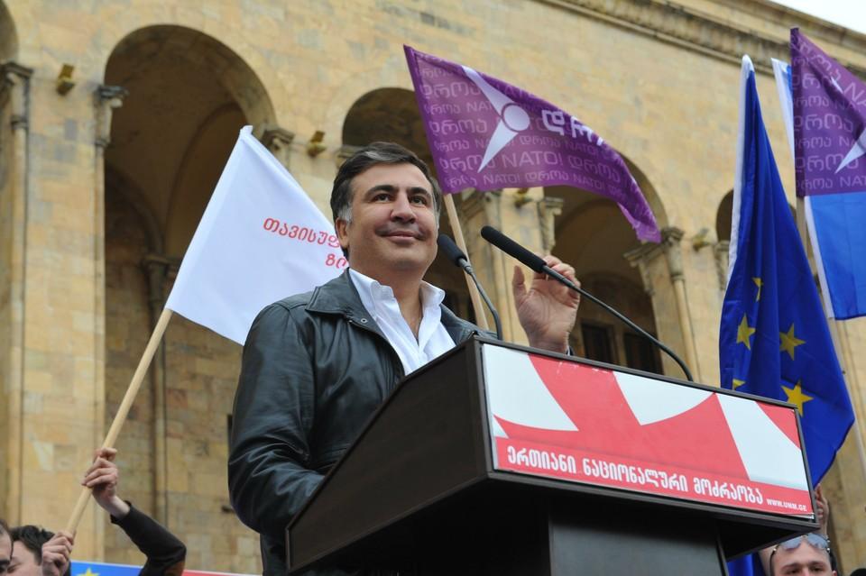 Саакашвили снял свою кандидатуру с должности премьера Грузии.