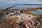Во Владивостоке сносят знаменитый недостроенный санаторий на Седанке