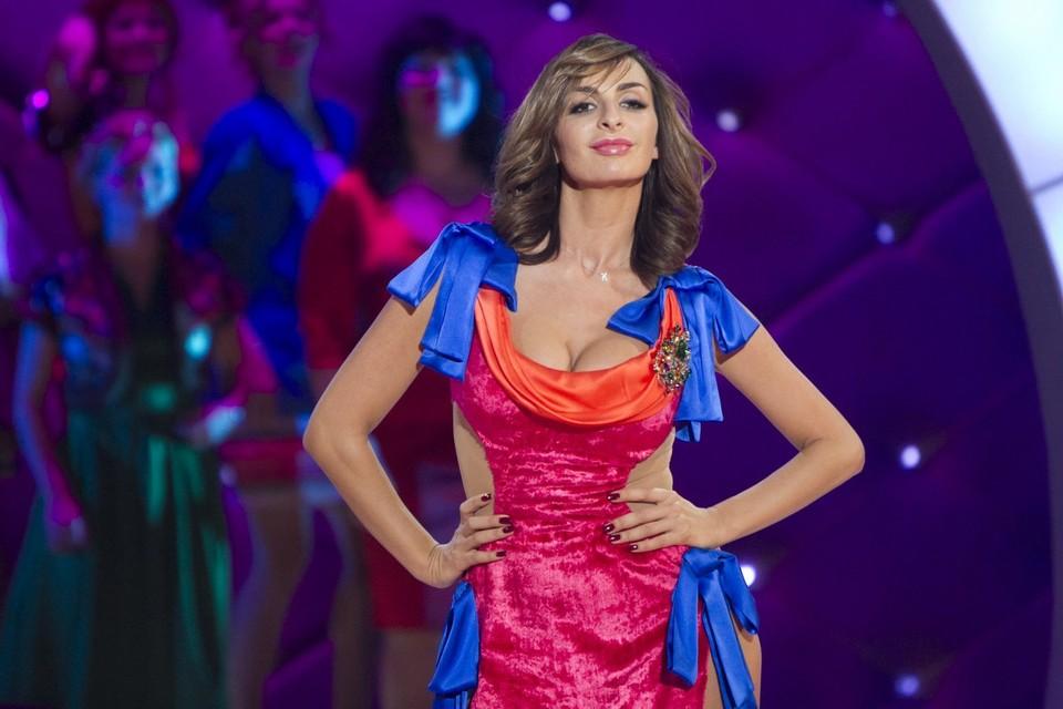 Екатерина Варнава часто экспериментировала с образами на сцене. Фото: кадр ТНТ.