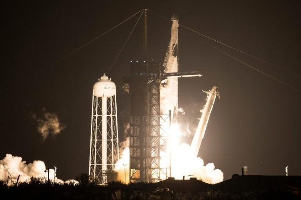 Ракета-носитель Falcon 9 стартовала с космодрома на мысе Канаверал