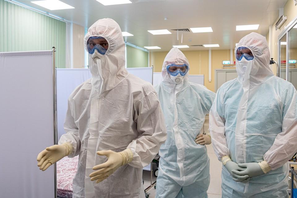 В РФ впервые за два месяца снизилось число пациентов с коронавирусом, болеющих сейчас