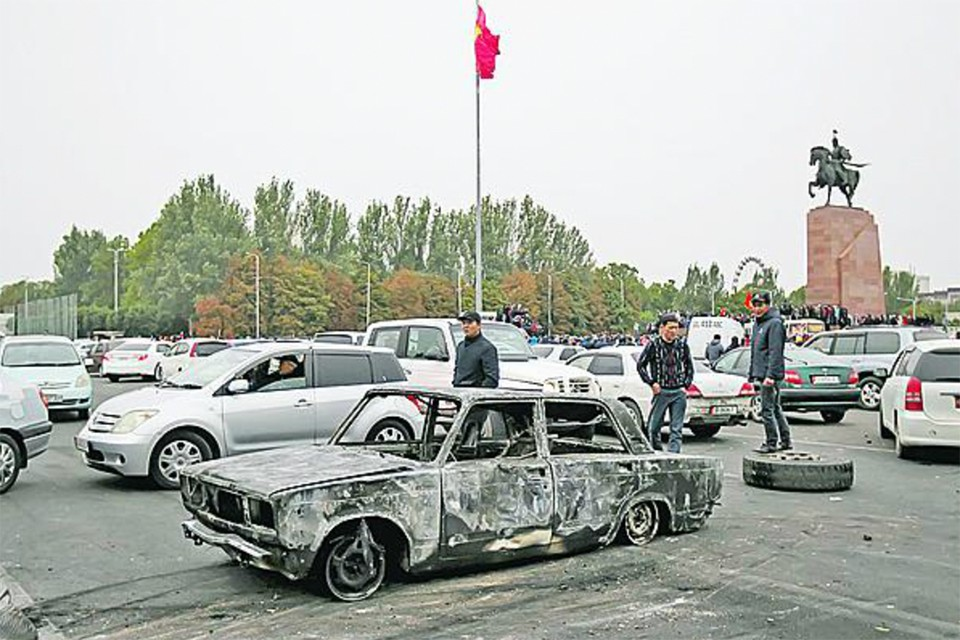 Экономика Киргизии горит синим пламенем. Одна надежда - на переводы из России. Фото: Vladimir PIROGOV/REUTERS