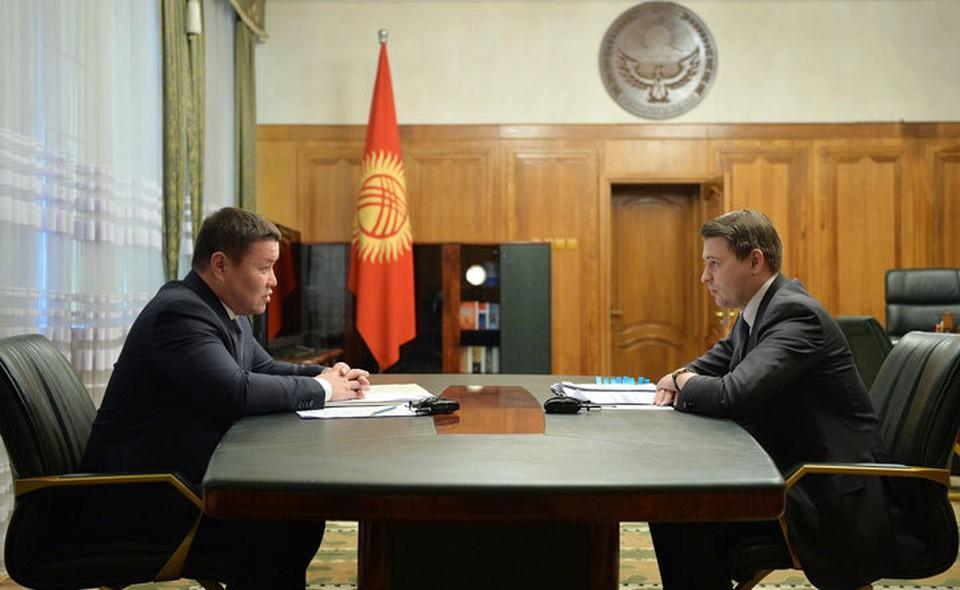 И.о. президента обсудил с и.о. премьер-министра политическую и экономическую ситуацию в стране.