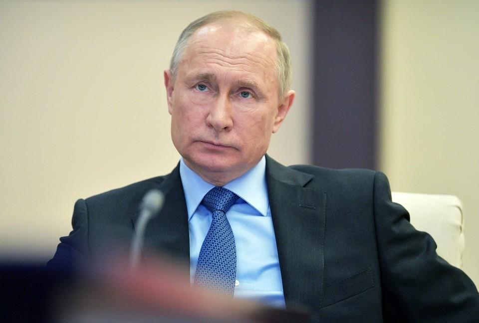 Путин заявил, что следует помогать главам регионов со сложной ситуацией из-за коронавируса