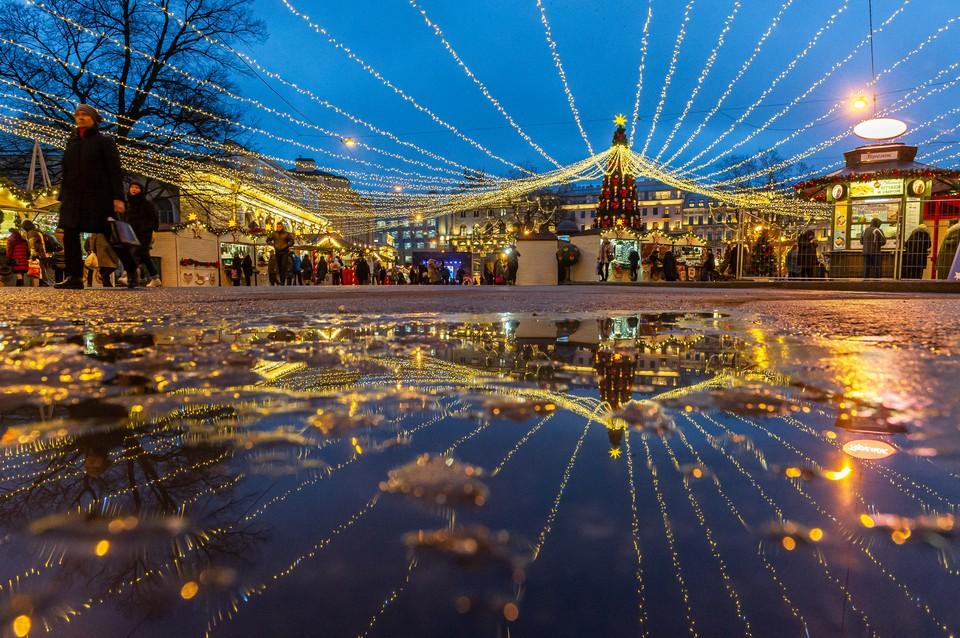 В Смольном рассказали, как будет проходить Рождественская ярмарка в Петербурге в условиях коронавируса