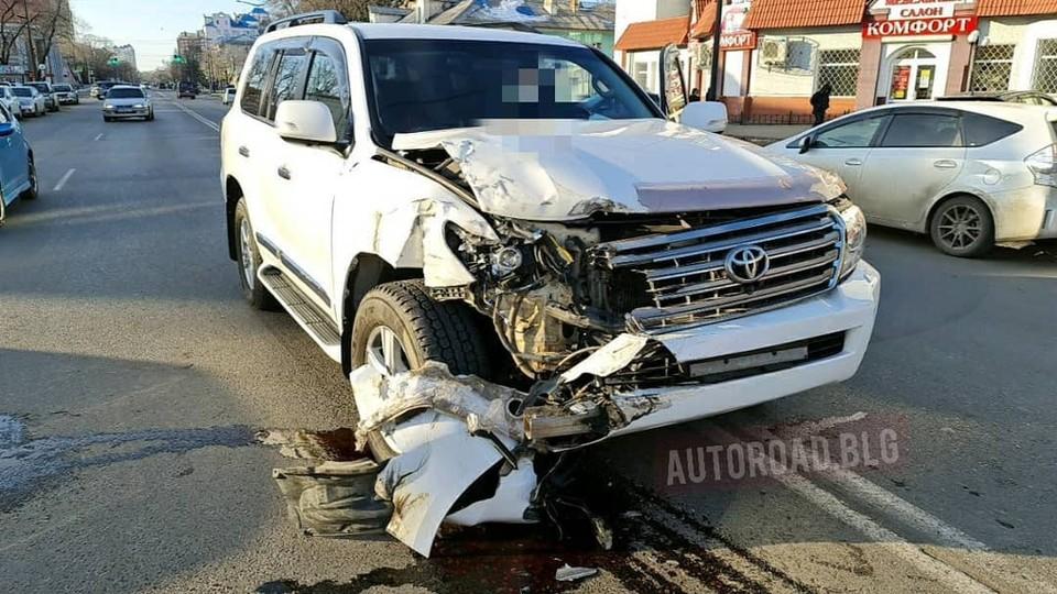 Автомобиль молодого человека заметно пострадал. Фото: www.instagram.com/autoroad.blg/