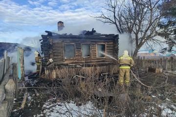 В Татарстане 14-летний подросток спас во время пожара трех братьев
